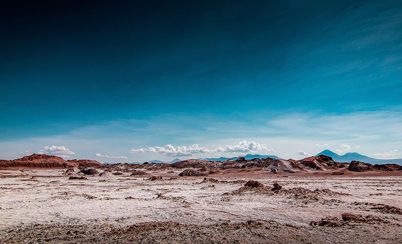 Los israelitas andan por el desierto