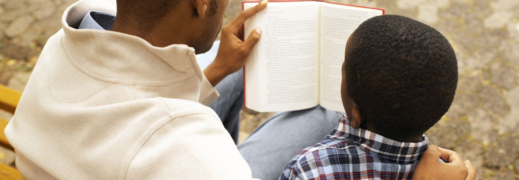 5 Ways My Dad Helped Me Love the Bible